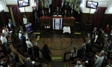 Bruno Lessa preside sessão solene em memória das vítimas do Holocausto