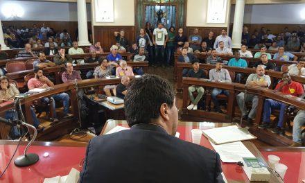 Audiência pública sobre transportes por aplicativos lota Câmara