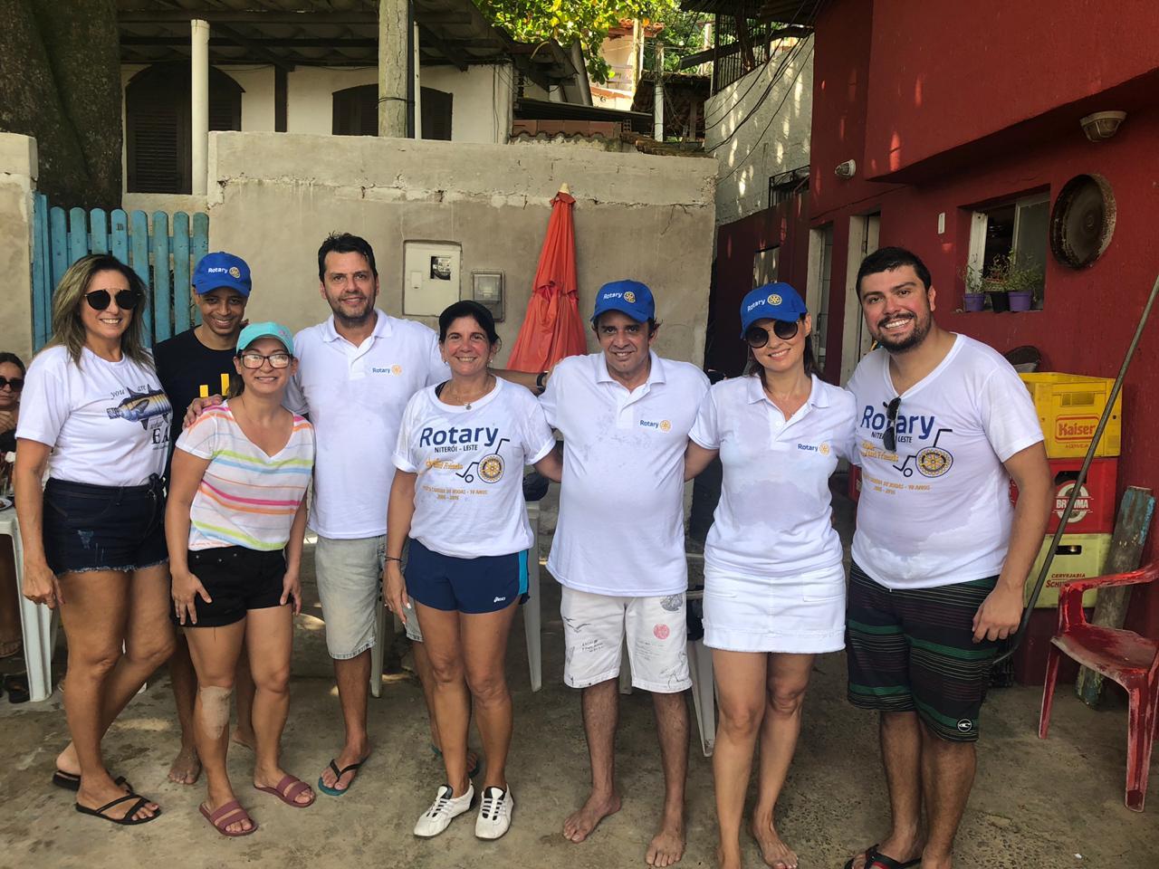 Rotarianos apoiaram e participaram da ação que recolheu quase 400 quilos de lixo em Itaipu