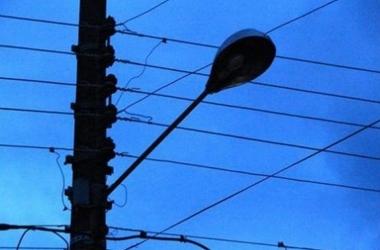 Bruno Lessa questiona aumento da taxa de iluminação pública