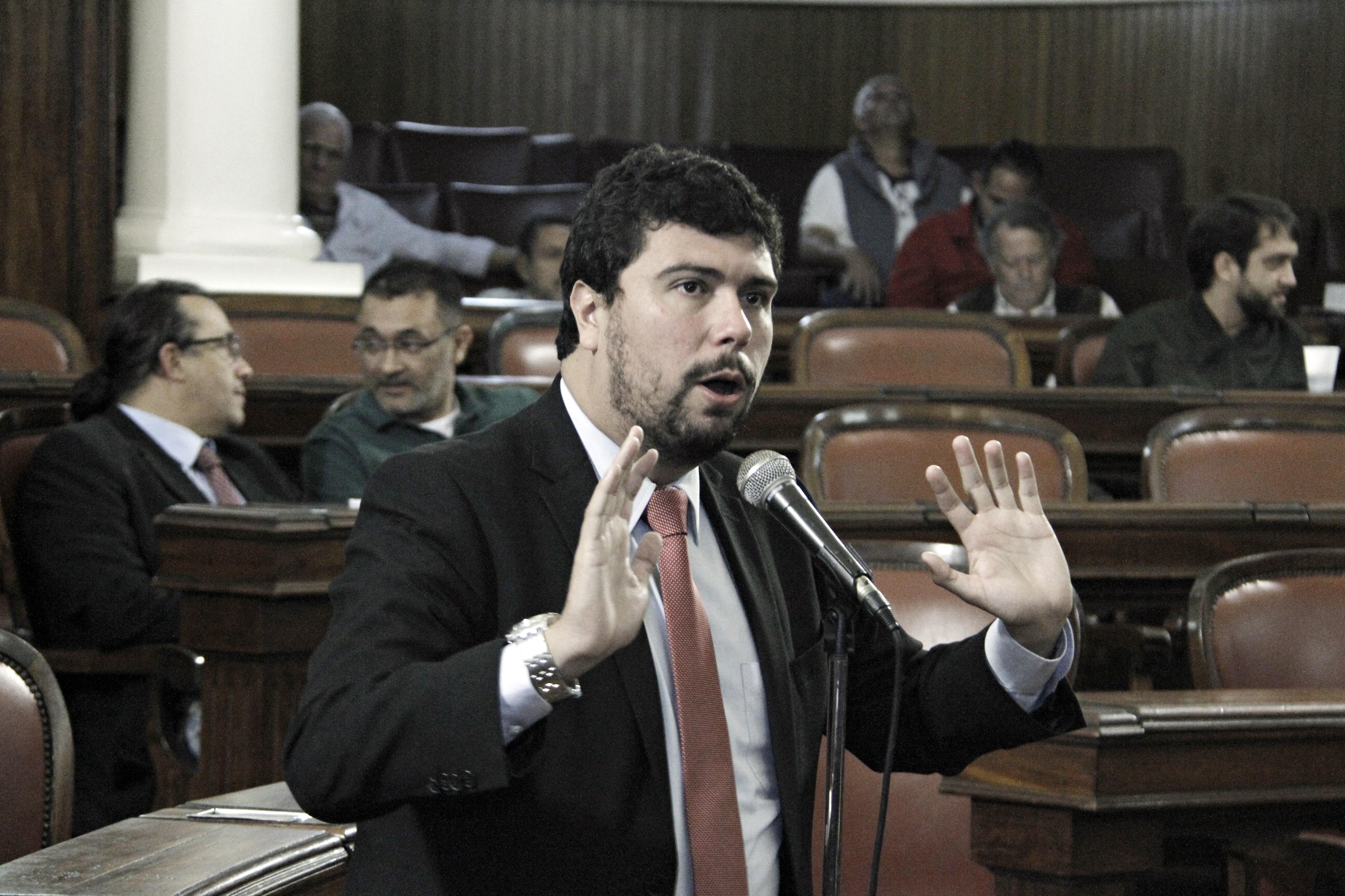Orçamento de Niterói é debatido pelo vereador Bruno Lessa (Foto: Sergio Gomes/ CMN)